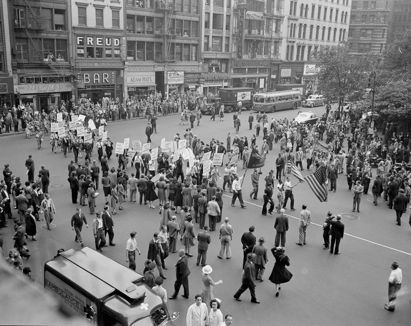 Crowds gather in Madison Square.