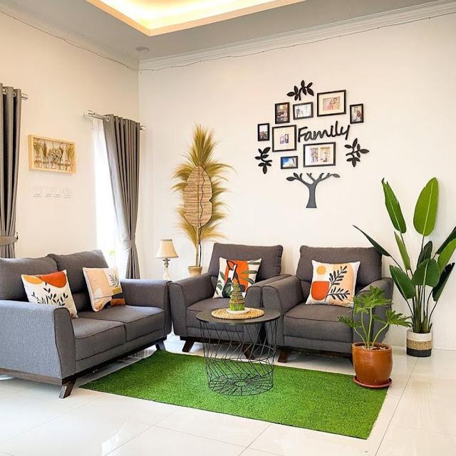 Ruang Tamu Sederhana dengan Dekorasi Tanaman