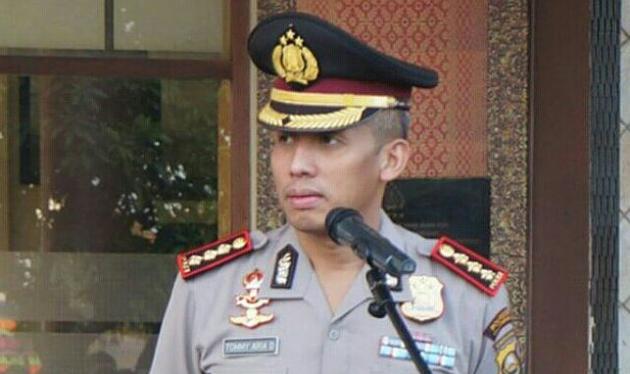 Kepergok Bersihkan Masjid, Kapolresta Palembang Hebohkan Netter