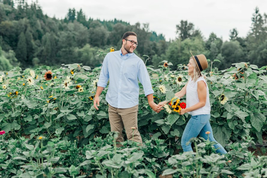 Sunflowers-Four Elements Farm-Flower Farm Engagement Session-Bonney Lake Wedding Photographers-Something Minted Photography