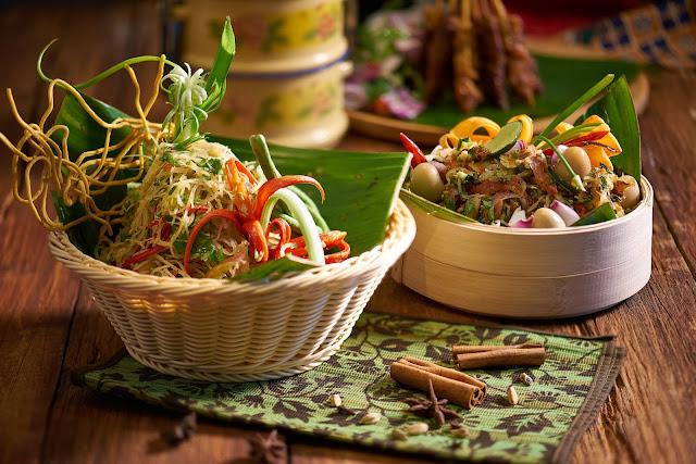 And Bar Proudly Presents Dari Dapur Bonda Dinner Buffet Executive Chef Man His Culinary Team Brings You That Balik Kampung Nostalgia With Por
