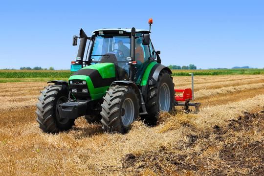Las ITV móviles para vehículos agrícolas y ciclomotores visitarán en septiembre 13 municipios de la provincia de Alicante