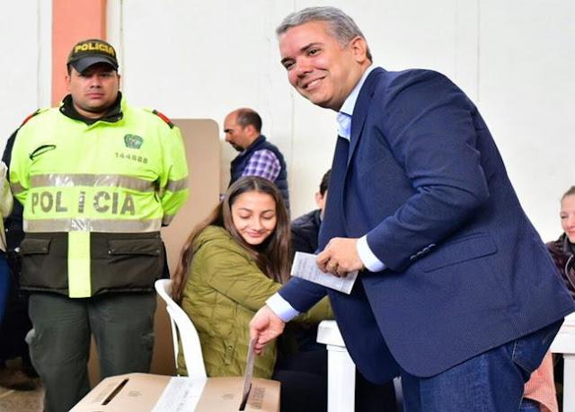 ¿Quién es Iván Duque, el ganador de la 'Gran Consulta por Colombia'?