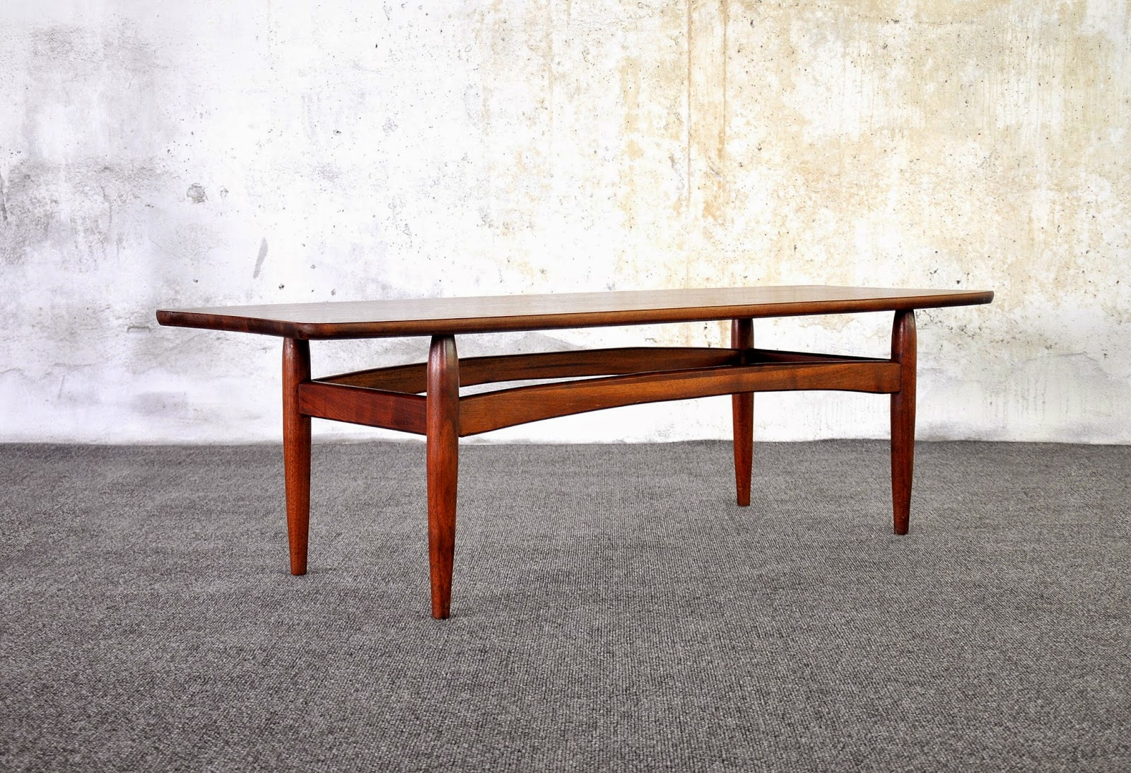 Adrian Pearsall Style Stingray Or Surfboard Coffee Or Cocktail Table