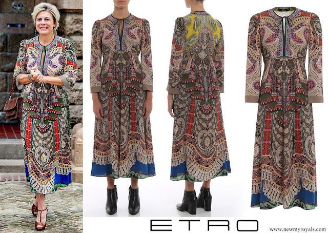 Princess Laurentien wore Etro Free spirit print long sleeve midi dress