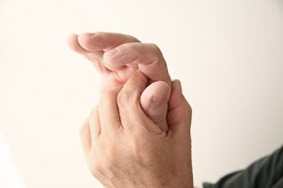 CTS (CARPAL TUNNEL SYNDROME) : understanding, symptom, Cause, diagnosis, Treatment and complication