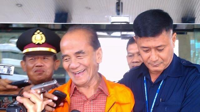 Jokowi Kasih Grasi ke Terpidana Korupsi Annas Maamun