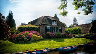 house-near-body-of-water