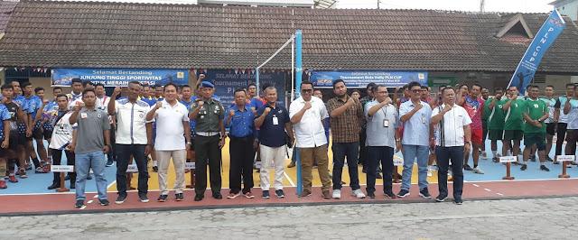 Manager PT PLN Pematangsiantar Joy Mart Sihaloho Buka PLN Cup : Menjalin Silaturahmi Lebih Baik