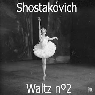 Vals nº2 de Dmitri Shostakóvich. Bailarina danzando. Foto en blanco y negro