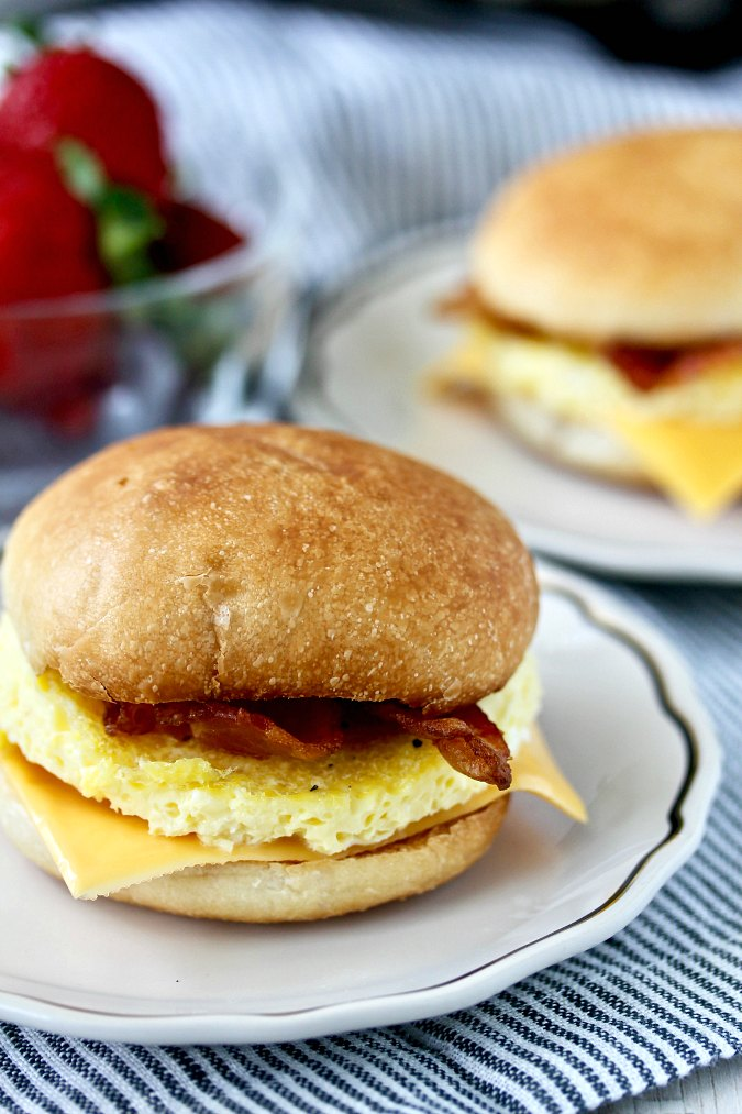 Make-ahead Freezer Breakfast Sandwiches with bacon and eggs