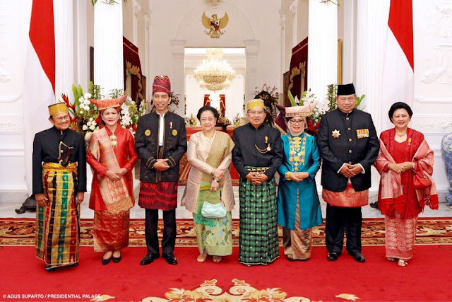 Momen Bersejarah! Jokowi-JK Foto Bareng Habibie-Megawati-SBY