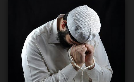 Kisah Abang Sombong Doanya Selalu Dikabulkan