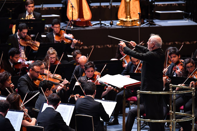 Prom 34 - West-Eastern Divan Orchestra, Daniel Barenboim - BBC Proms (Photo BBC / Chris Christodoulou)