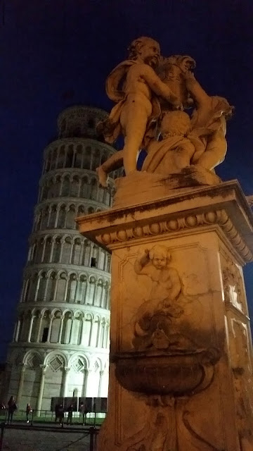The Leaning Tower of Pisa was definitely leaning!