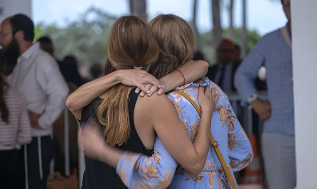 Igrejas de Miami oram por milagres e apoiam 150 famílias após desabamento de edifício