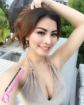 Foto Hot Bikini Pricyla Neva