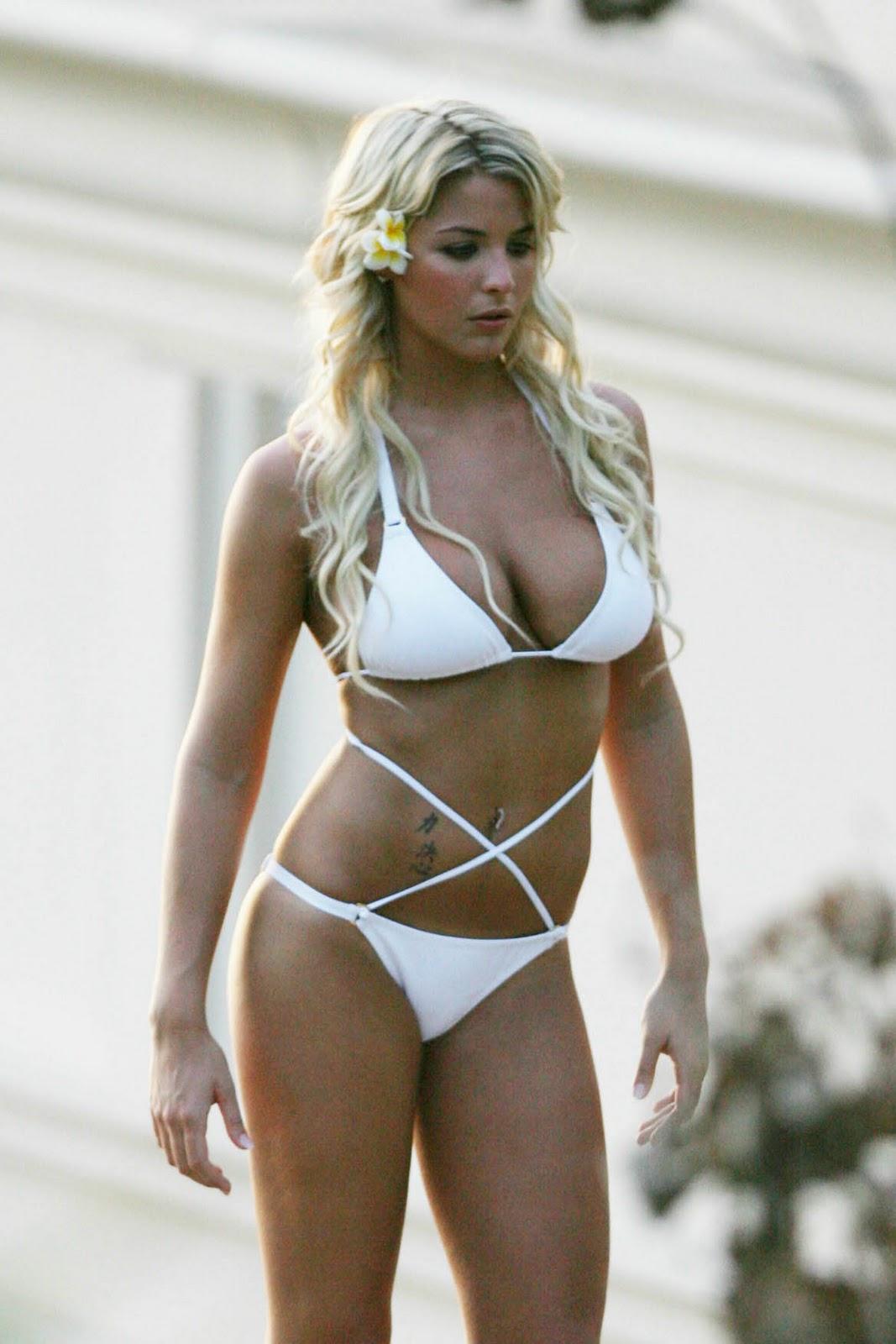2007 Calendar Outtakes Grindhouse 2007 Imdb Skinny Vs Curvy Gemma Atkinson Beach Bikini Pictures