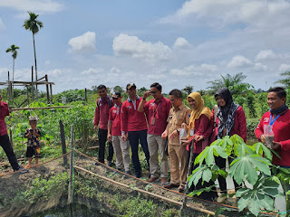 Kepala Dinas Sosial Kabupaten Batanghari dan Korwil Provinsi Jambi Tinjau KPM PKH