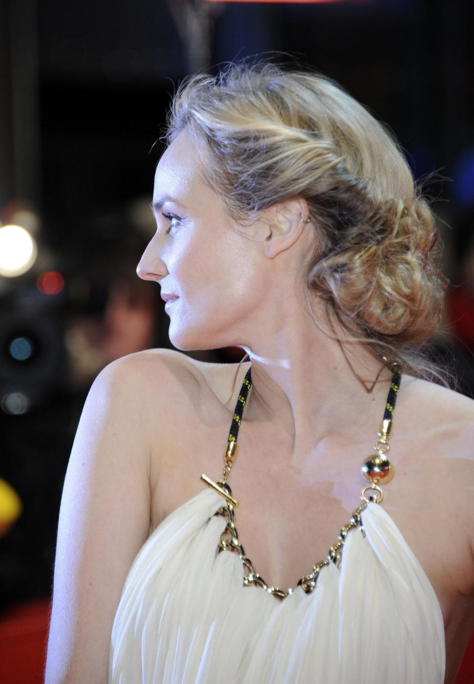 Women Beauty Tips 15 German Actress Diane Kruger Hairstyles