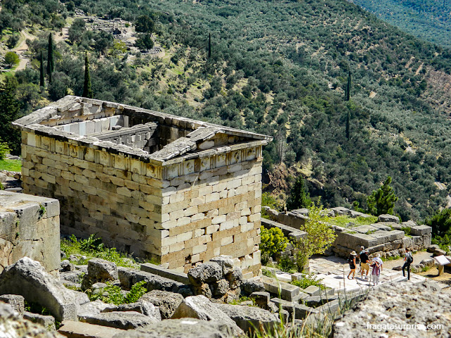 Tesouro dos Atenienses, Santuário de Delfos, Grécia
