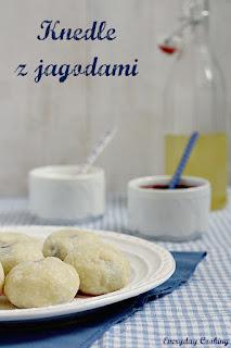 http://www.greencooking.pl/2012/07/knendle-z-jagodami.html