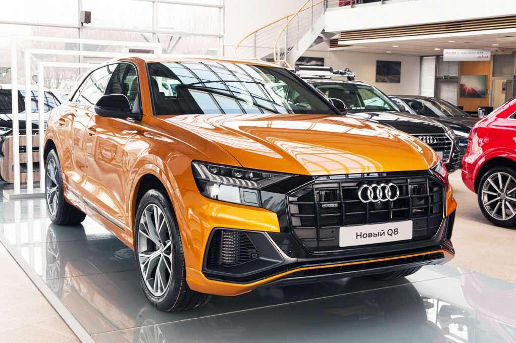 Audi Q8 вид спереди