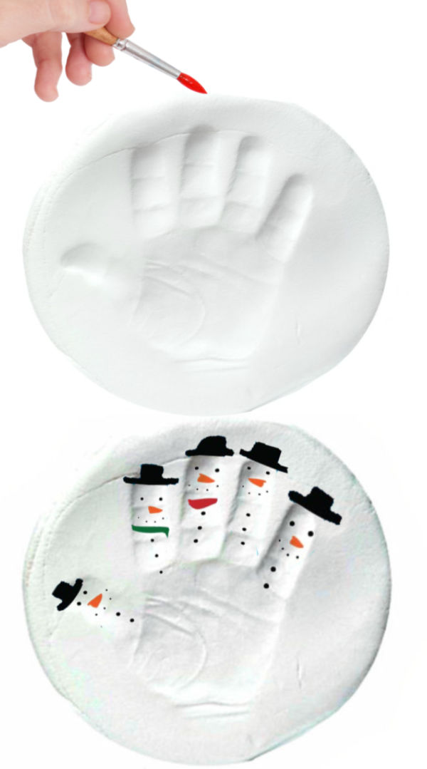 Make winter arts and crafts using this easy recipe for snow clay.  This icy-cold dough is great for making ornaments and other keepsakes for kids. #snow #snowcrafts #snowclay #snowclayrecipe #snowmancrafts #snowmanclay #snowrecipesforkids #snowrecipe #snowdough #snowplaydough #ornamentsdiy #snowmanhandprint #growingajeweledrose #activitiesforkids