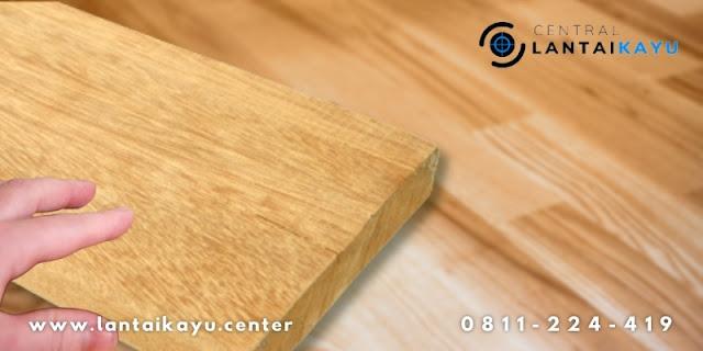 tekstur dan serat kayu meranti