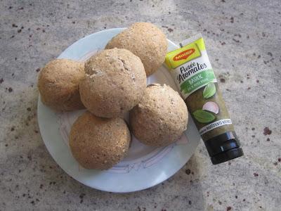 Petits pains express à la Purée d'Aromates au basilic, Maggi