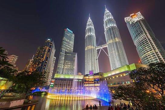 Petronas Twin Towers as Malaysia's Iconic Destination