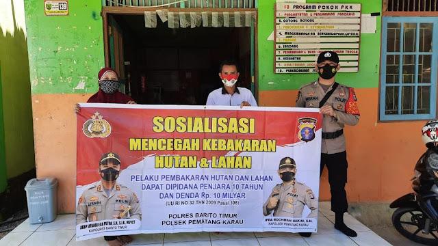 Polsek pematang karau sambangi pemukiman penduduk untuk sosialisasikan pencegahan dan sanksi karhutla ke warga masyarakat