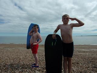 low tide southsea seafront bodyboarding