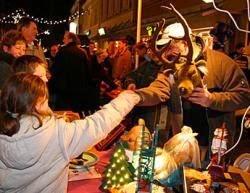 Weihnachtsmarkt Bad Bentheim.Grafschaft Bentheim Schwimmende Weihnachtsbäume Und Glückspiele Um