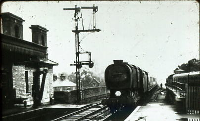 Review of the fleet 1952 train runs into Fareham from Gosport