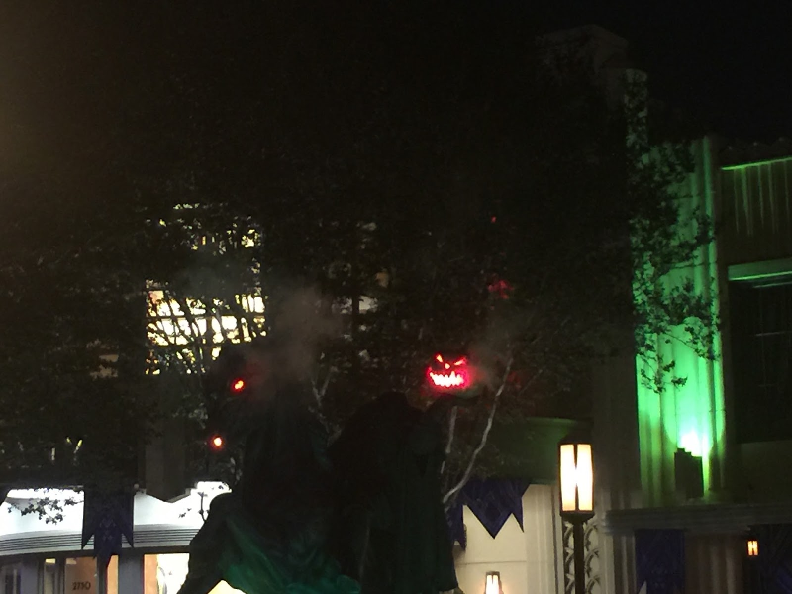Laura 39 s miscellaneous musings today at disney california for B m halloween decorations