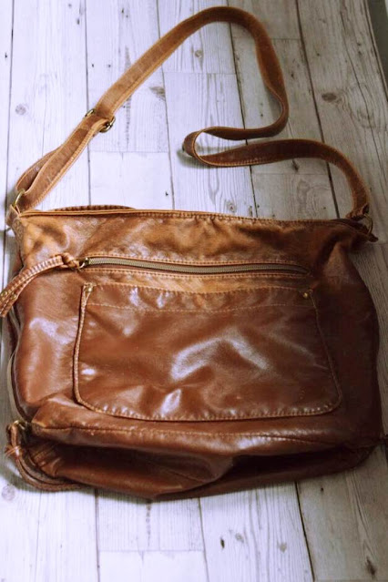 What's inside my bag, brown leather bag