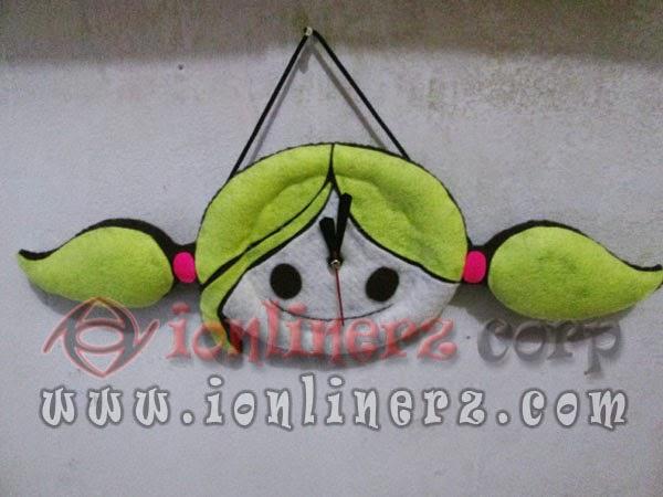 Jam Dinding Flanel Karakter Kartun Boneka Surfer Girl