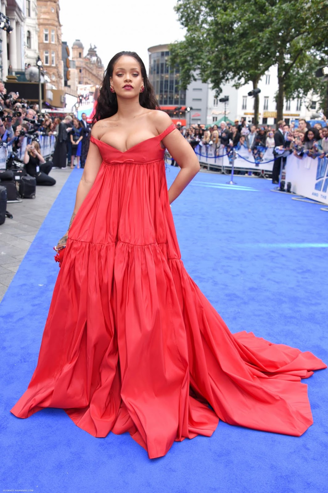 Fashion fan blog from industry supermodels: RIHANNA at ...