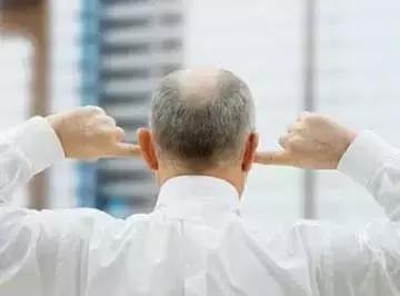 一套耳部自我按摩方法:這麼按,骨病、五臟問題...大有益處!(失眠、打嗝)