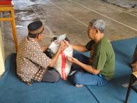 Panitia Ramadhan DKM Baitur Rahman Terima Zakat Fitrah
