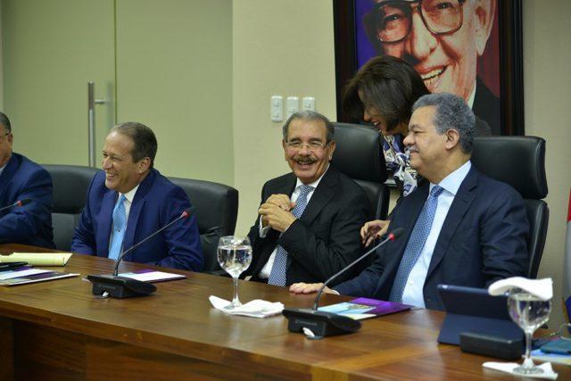 Comité Político del PLD se reunirá este lunes: trasciende sobre supuesto pre acuerdo entre Danilo  Medina y  Leonel Fernández