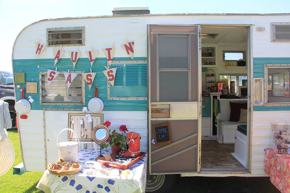 Fashion Valley Beauty Salon: A Mobile Boutique