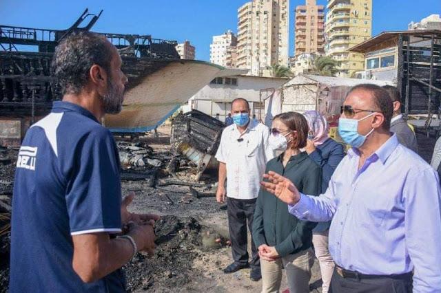 محافظ الإسكندرية يتفقد حريق تصنيع مراكب الصيد بالأنفوشي