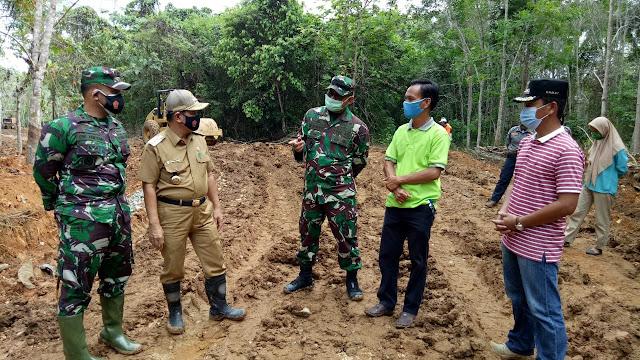 Bupati Barito Timur Minta Masyarakat untuk Menjaga dan Merawat Hasil Karya TMMD 109