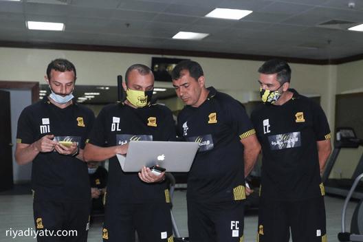 فابيو كاريلي مدرب نادي الاتحاد