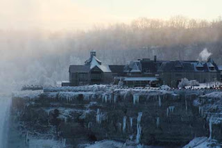 Table Rock Frozen In Winter Niagara Falls.