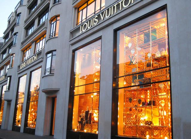 Lojas na Champs Élysées