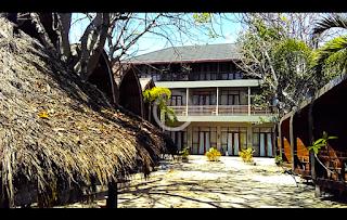 Puluhan kamar di Mola-Mola Resort nan sepi