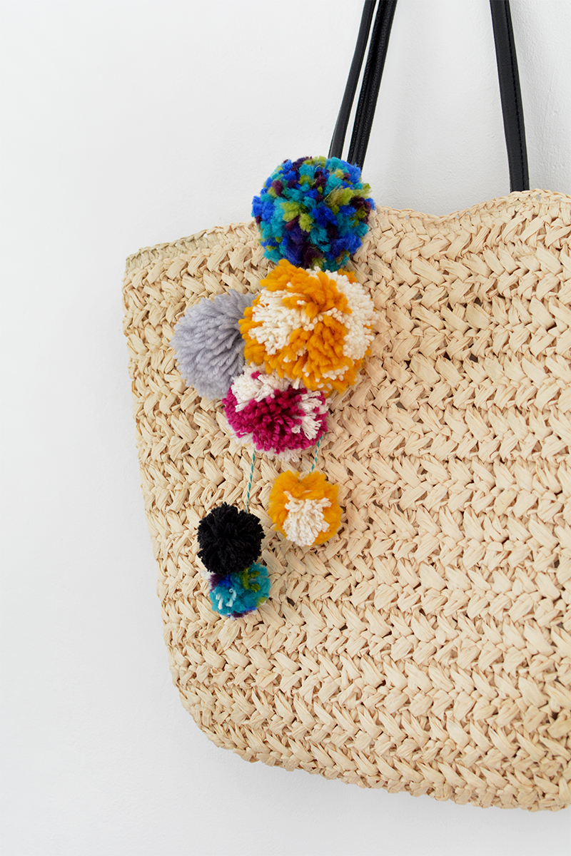 pom pom summer bag diy